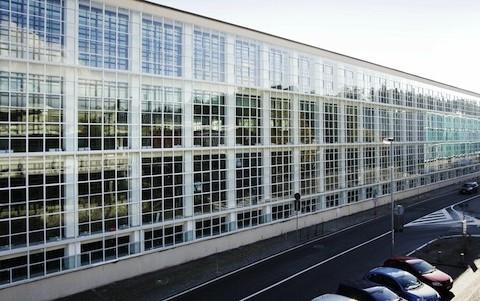 Dante-Oscar-Benini-Architecture-01ICO centrale_Vodafone Ivrea_facciata