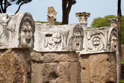 1.ancient_ostia_dramatic_masks
