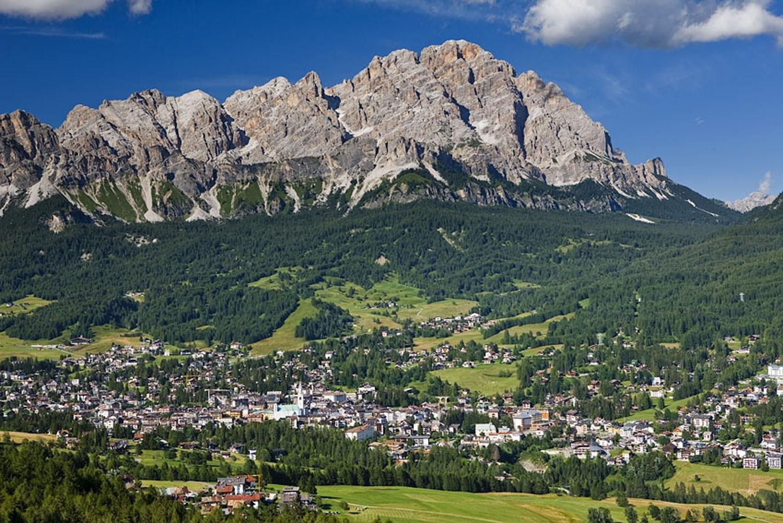 Italian Good News Skiing Cortina Awarded 2021 World