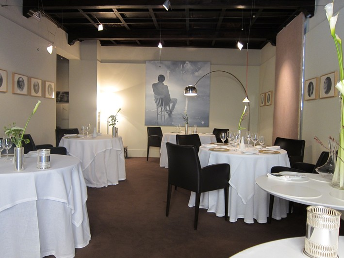 andy-hayler-osteria-francescana-dining-room-w709-h532