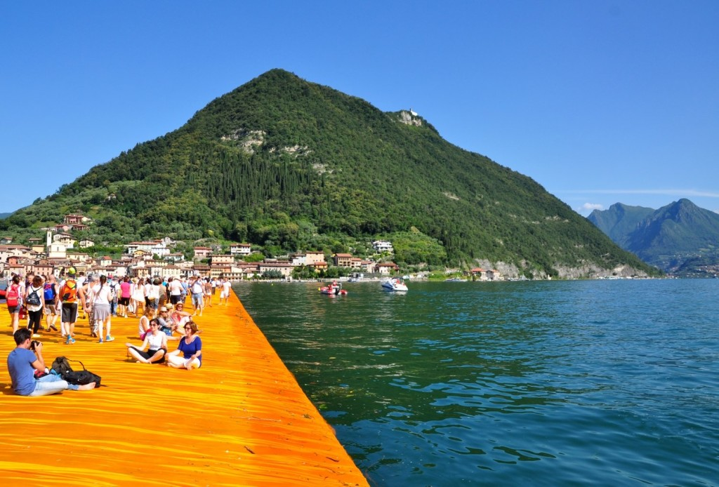 Unusual-places-lake-Iseo